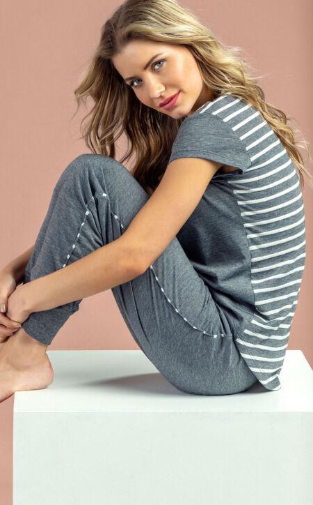 Pijama Blusa Manga Curta com Calça